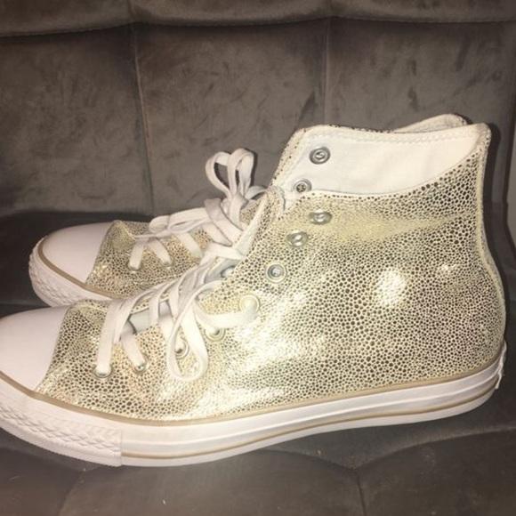 converse light gold